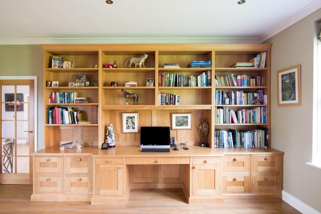 Lyndhurst Park Fehler Traditional oak study whole unit