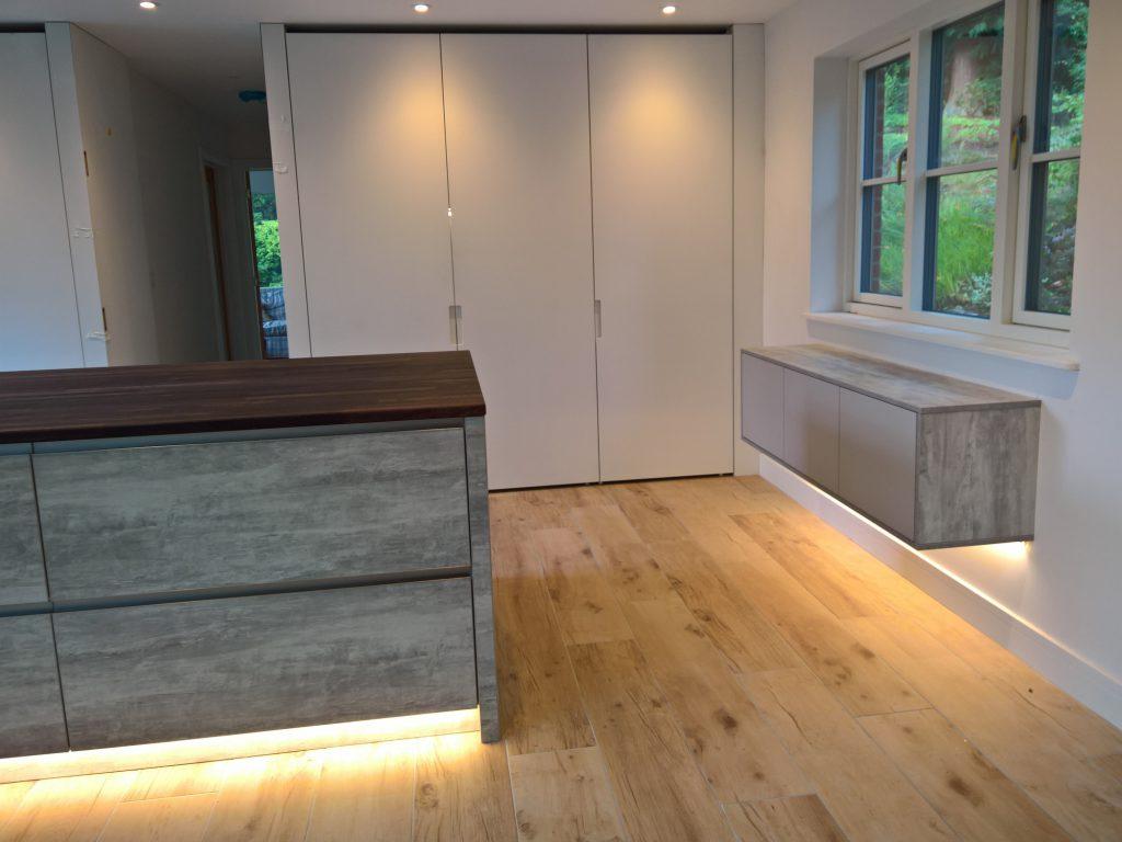 Leyswood Road , Groombridge cabinet feature