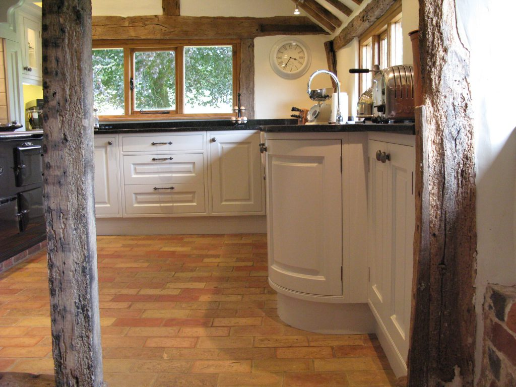 Babbes Lane, Battle kitchen cabinets